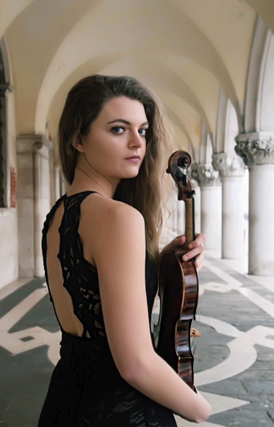 Ilaria Marvilly